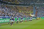 15.04.2018, Veltins-Arena, Gelsenkirchen, GER, 1.FBL, FC Schalke 04 vs Borussia Dortmund, im Bild die Mannschaften von Schalke und Dortmund beim Aufwaermen<br /> <br /> <br /> Foto &copy; nordphoto/Mauelshagen