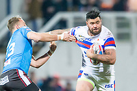 Picture by Allan McKenzie/SWpix.com - 09/02/2018 - Rugby League - Betfred Super League - Wakefield Trinity v Salford Red Devils - The Mobile Rocket Stadium, Wakefield, England - David Fifita fends off Lee Mossop.