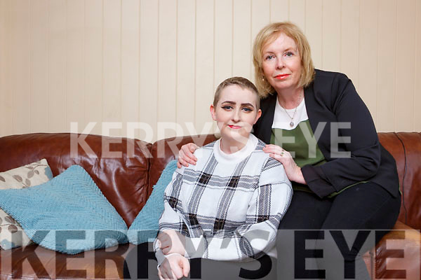 Cancer survivor Leah Lynch Glenflesk with her mother Breda