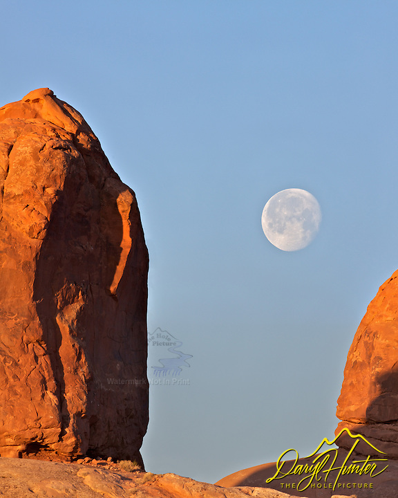 Arches National Park,  full moon  Moab, Utah