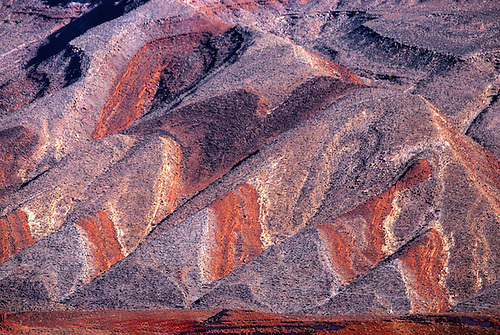 Sandstone Mountain shows off its colors and shapes in Southern Utah