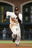 17 April 2009: San Francisco Giants' Fred Lewis runs during the San Francisco Giants' 2-0 win against the Arizona Diamondbacks at AT&T Park in San Francisco, CA.