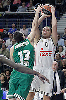 Real Madrid's Jonas Maciulis (r) and Panathinaikos Athens' Dimitris Diamantidis during Euroleague match.January 22,2015. (ALTERPHOTOS/Acero) /NortePhoto<br />