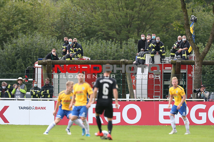12.09.2020, JODA Sportpark, Todesfelde, GER, DFB-Pokal Runde1 SV Todesfelde vs. VfL Osnabrueck <br /> <br /> DFB REGULATIONS PROHIBIT ANY USE OF PHOTOGRAPHS AS IMAGE SEQUENCES AND/OR QUASI-VIDEO.<br /> <br /> im Bild / picture shows<br /> Die Feuerwehr nutzte ihre Fahrzeuge als Tribuene/Tibüne.<br /> <br /> <br /> <br /> Foto © nordphoto / Tauchnitz