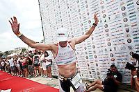 PESCARA (PE) 10/06/2012 - IRON MAN ITALY 70.3 ITALY. NELLA FOTO IL SECONDO CLASSIFICATO ALESSANDRO DEGASPERI. FOTO DI LORETO ADAMO
