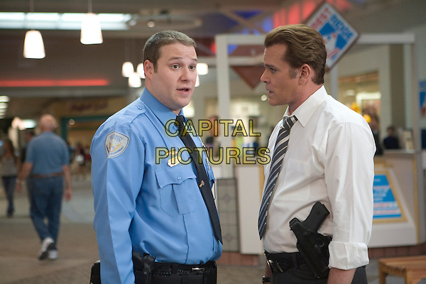 SETH ROGEN & RAY LIOTTA.in Observe and Report .*Filmstill - Editorial Use Only*.CAP/FB.Supplied by Capital Pictures.