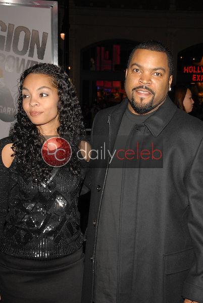 Ice Cube<br /> at 'The Book Of Eli' Premiere, Chinese Theater, Hollywood, CA. 01-11-10<br /> David Edwards/Dailyceleb.com 818-249-4998