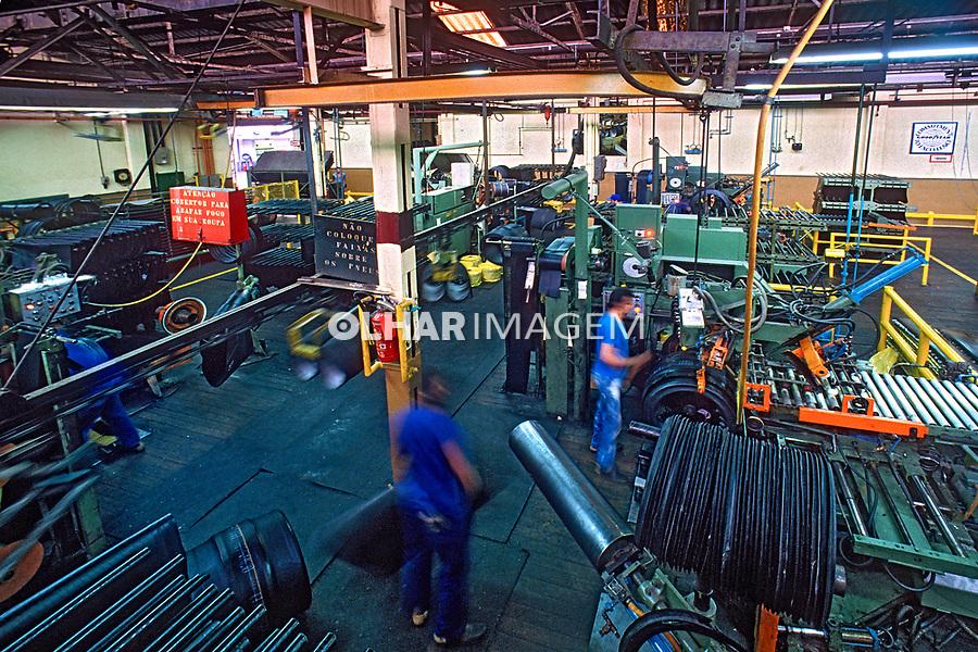 Fabrica de pneus Good Year, bairro Tatuape, São Paulo. 1986. Foto de Juca Martins.