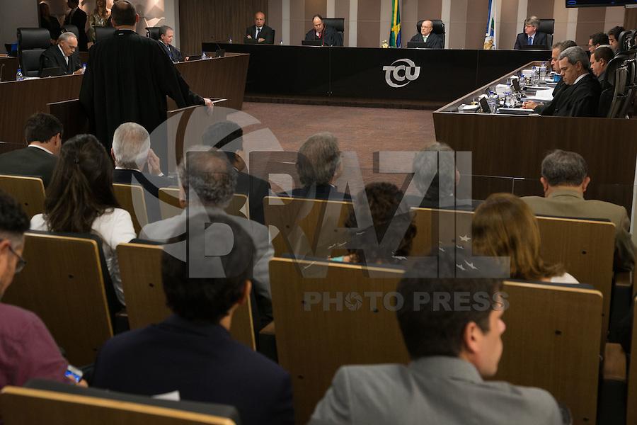 BRASILIA, DF, 07.10.2015 - TCU-CONTAS -  Sessão no TCU para análise das contas públicas do Governo da presidente Dilma Rousseff de 2014, na sede do Tribunal de Contas da União em Brasilia nesta quarta-feira, 07.(Foto:Ed Ferreira / Brazil Photo Press)