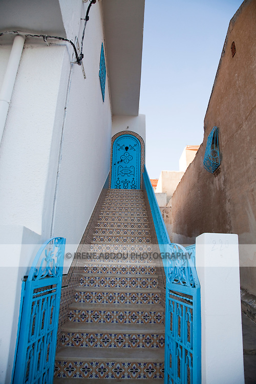El Kef, the capital of Western Tunisia, is an interesting town speckled with winding alleys, whitewashed walls, and sea blue wooden doors decorated in traditional Tunisian fashion.