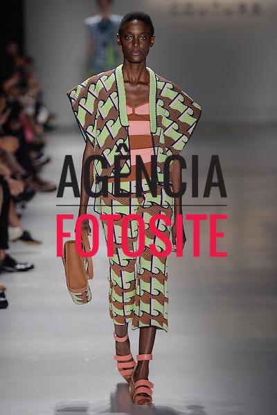 GIG Couture<br /> <br /> S&atilde;o Paulo Fashion Week- Ver&atilde;o 2016<br /> Abril/2015<br /> <br /> foto: Ze Takahashi/ Ag&ecirc;ncia Fotosite