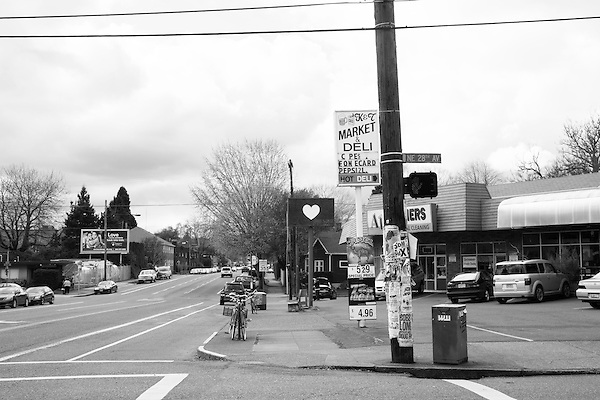 NE Glisan and NE 28th Ave in Portland, Oregon on March 27, 2014