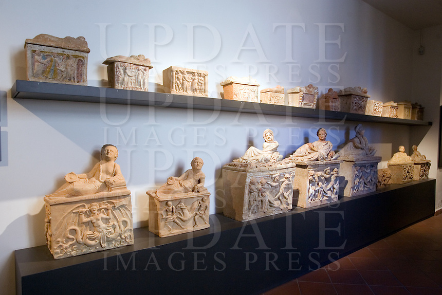 Urne al Museo Etrusco di Chiusi<br /> Urns at the Etruscan Museum of Chiusi.<br /> UPDATE IMAGES PRESS/Riccardo De Luca