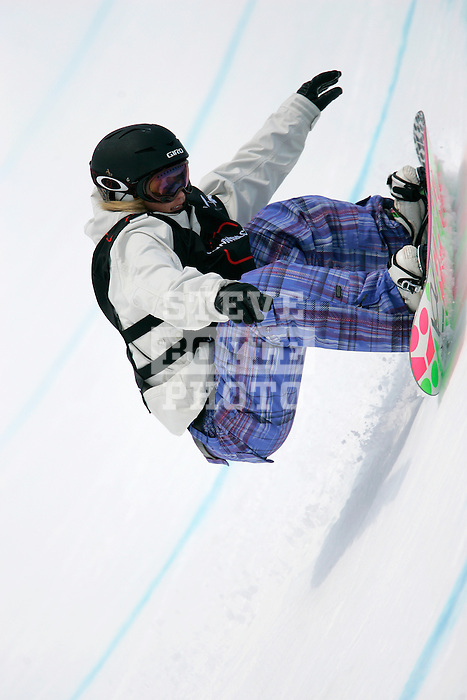 Gretchen Bleiler (USA) competes in the finals of the Nokia Snowboard FIS Half-Pipe World Cup at Whiteface Mountain in Lake Placid, New York on March 10, 2007.