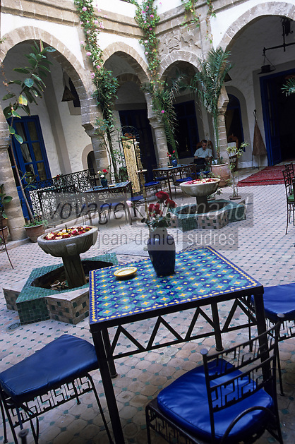 "Afrique/Maghreb/Maroc/Essaouira : Riad ""Al Madina"" 9 rue Attarine, détail du patio"
