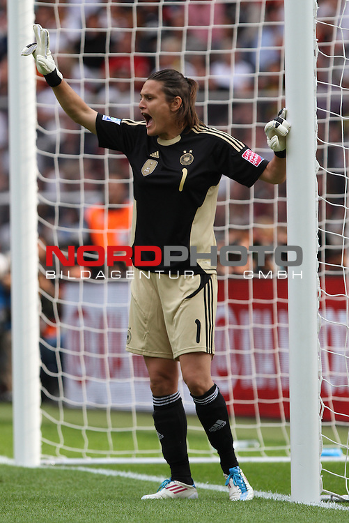 26.06.2011, Olympiastadion Berlin, Berlin, GER, FIFA Women's Worldcup 2011, Gruppe A,  Deutschland (GER) vs. Canada (CAN), im Bild Nadine Angerer (Torwart GWE #01, Frankfurt)  // during the FIFA Women´s Worldcup 2011, Pool A, Germany vs Canada on 2011/06/26, Olympiastadion, Berlin, Germany.   Foto © nph / Hessland