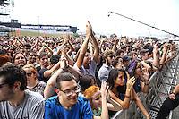 SAO PAULO, SP, 28.03.2015 - LOLLAPALOOZA 2015 - AUTODROMO INTERLAGOS, SP - Boogarins se apresenta no Lollapalooza 2015, no Autodromo de Interlagos, neste Sabado, 28. (Douglas Pingituro / Brazil Photo Press)