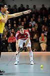 MANNHEIM, DEUTSCHLAND, FEBRUAR 01: Viertelfinale in der 1. Hockey Bundesliga der Herren, Hallensaison 2013/2014. Begegnung zwischen dem Mannheimer HC (blau) und RW Köln (rot) am 01. Februar, 2013 in der Irma-Röchling-Halle in Mannheim, Deutschland. Endstand 4-6. (4-1) (Photo by Dirk Markgraf / www.265-images.com) *** Local caption *** #19 Christopher Zeller von RW Köln
