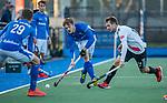 UTRECHT - Lars Balk (Kampong) met rechts Nicky Leijs (Adam)   tijdens de hoofdklasse hockeywedstrijd mannen, Kampong-Amsterdam (4-3). COPYRIGHT KOEN SUYK