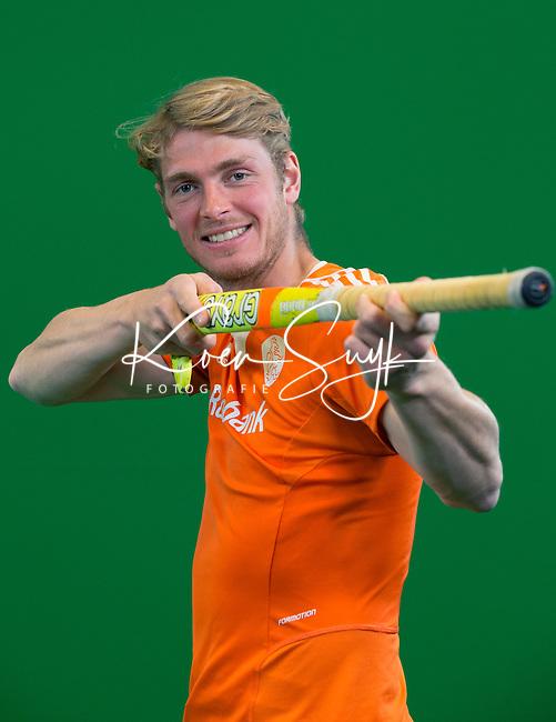 DEN BOSCH -  FLORIS VAN DER LINDEN. Nederlands Hockeyteam  voor nieuwe platform Hockey.nl.    FOTO KOEN SUYK