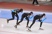 SCHAATSEN: SALT LAKE CITY: Utah Olympic Oval, 16-11-2013, Essent ISU World Cup, Team Pursuit, Shani Davis, Jonathan Kuck, Brian Hansen (USA), ©foto Martin de Jong