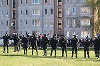 Zum 75. Jahrestag der Reichspogromnacht marschierten bis zu 200 Neonazis von der NPD durch die mecklenburgische Kleinstadt Friedland und protestierten gegen ein geplantes Fluechtlingsheim.<br />Mehrere hundert Gegendemonstranten demonstrieten lautstark gegen den Aufmarsch.<br />300 Polizeibeamte sicherten den reibungslosen Ablauf der NPD-Veranstaltung.<br />9.11.2013, Berlin<br />Copyright: Christian-Ditsch.de<br />[Inhaltsveraendernde Manipulation des Fotos nur nach ausdruecklicher Genehmigung des Fotografen. Vereinbarungen ueber Abtretung von Persoenlichkeitsrechten/Model Release der abgebildeten Person/Personen liegen nicht vor. NO MODEL RELEASE! Don't publish without copyright Christian Ditsch/version-foto.de, Veroeffentlichung nur mit Fotografennennung, sowie gegen Honorar, MwSt. und Beleg. Konto:, I N G - D i B a, IBAN DE58500105175400192269, BIC INGDDEFFXXX, Kontakt: post@christian-ditsch.de.<br />Urhebervermerk wird gemaess Paragraph 13 UHG verlangt.]