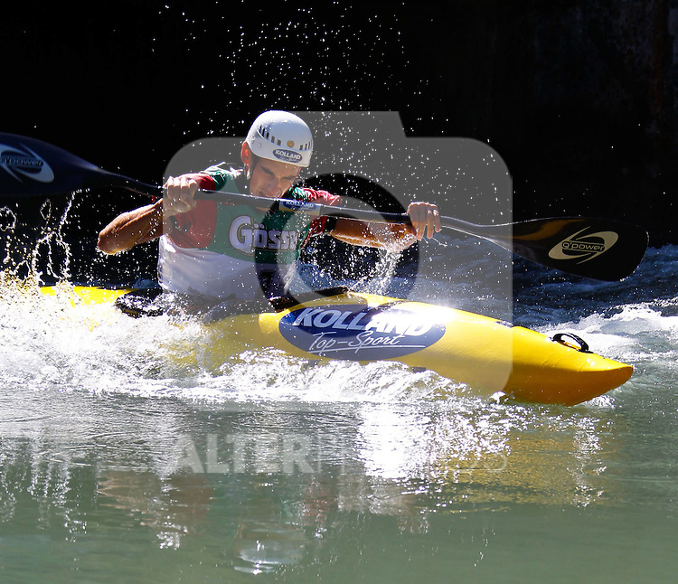 11.09.2010, Lienz, AUT, Redbull Dolomitenmann 2010, im Bild Kanute Marcel Potocny, SVK, Team Kolland Topsport .  Foto: nph /  J. Groder