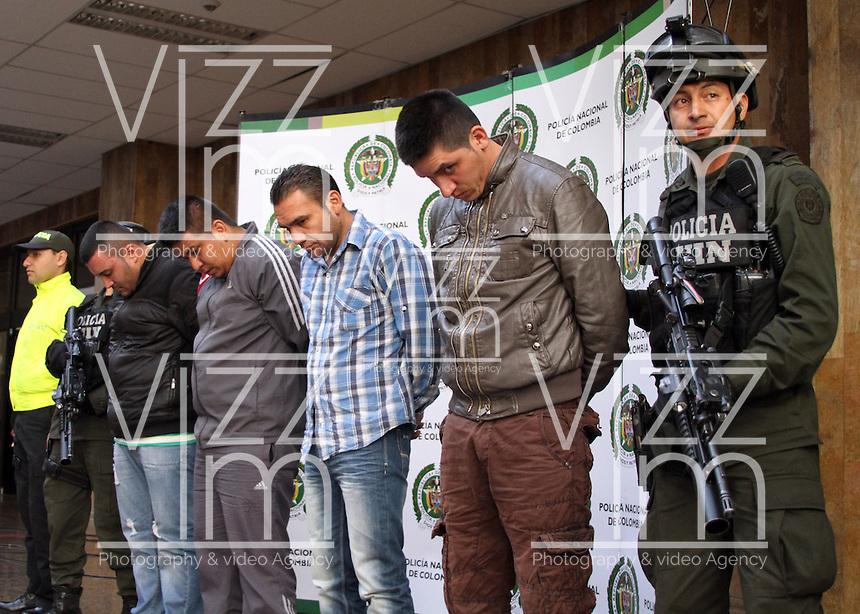 BOGOTA -COLOMBIA, 26-06-2013. La policia nacional de Colombia captur&oacute; a los presuntos  homicidas del agente de la DEA  James Terry Watson :De  derecha  a Izquierda aparecen :  Edgar Bello, alias &quot;payaso&quot; ,Edwin Figueroa, alias &quot; garcho&quot; ,Hector L&oacute;pez , alias &quot;babario&quot; , Omar Vald&eacute;s alias &quot;Fabi&aacute;n&quot; ,Direcci&oacute;n de la Polica . Colombia's national police captured the suspected killers of DEA agent James Terry Watson: From right to left are: Edgar Bello, aka &quot;Clown&quot;, Edwin Figueroa, aka &quot;garcho&quot;, Hector Lopez, alias &quot;babario&quot; Omar Valdes alias &quot;Fabian&quot; Polica address<br /> iPhoto: VizzorImage/ Felipe Caicedo/ STAFF