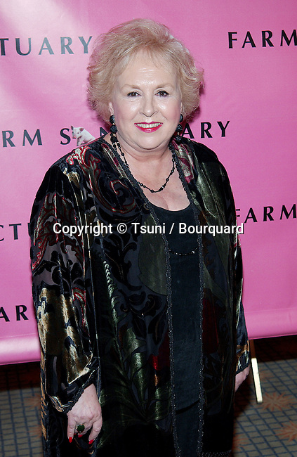 """Doris Roberts arriving at the Farm Sanctuary Gala 2002 """"Emmys For Animals"""" at the Beverly Hills Hotel in Los Angeles. September 21, 2002.           -            RobertsDoris15.jpg"""