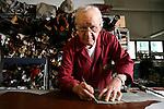 Bologna 16 Aprile 2008.  L'artigiano Enzo Bonafè nel suo laboratorio, The artisan Enzo Bonafè in his laboratory  © Fulvia Farassino