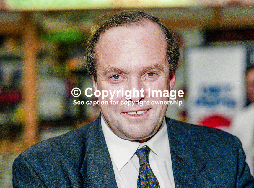 Michael Ancram, MP, Conservative Party, UK, Westminster Parliament, 19931016/MA..Copyright Image from Victor Patterson, 54 Dorchester Park, Belfast, UK, BT9 6RJ..Tel: +44 28 9066 1296.Mob: +44 7802 353836.Voicemail +44 20 8816 7153.Skype: victorpattersonbelfast.Email: victorpatterson@mac.com.Email: victorpatterson@ireland.com (back-up)..IMPORTANT: If you wish to use this image or any other of my images please go to www.victorpatterson.com and click on the Terms & Conditions. Then contact me by email or phone with the reference number(s) of the image(s) concerned.