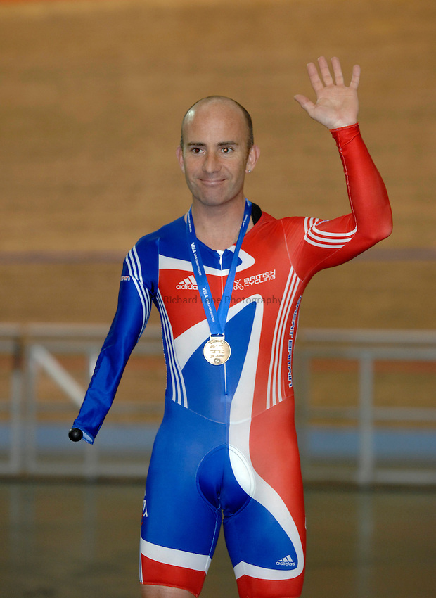 Photo: Richard Lane..VISA Paralympic World Cup 2007. Track Cycling. 11/05/2007. .Gary Williams of Great Britain wins a gold medal.