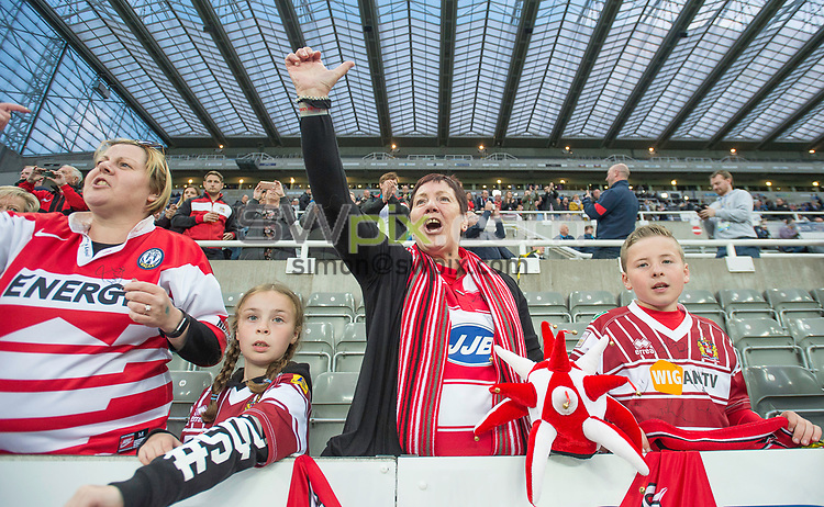 Picture by Allan McKenzie/SWpix.com - 20/05/2017 - Rugby League - Dacia Magic Weekend - St James' Park, Newcastle, England - The brief, fans, supporters.