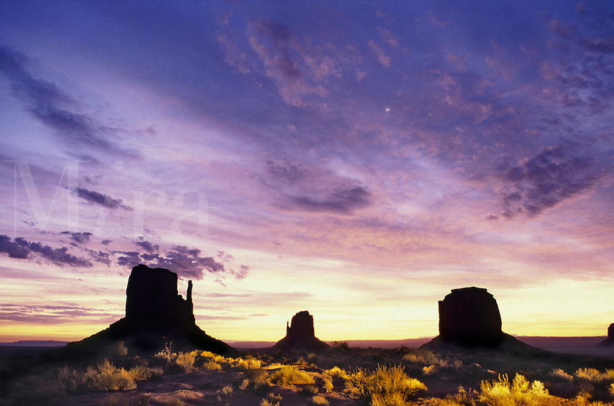 Sunset buttes, Monument Valley, Arizona