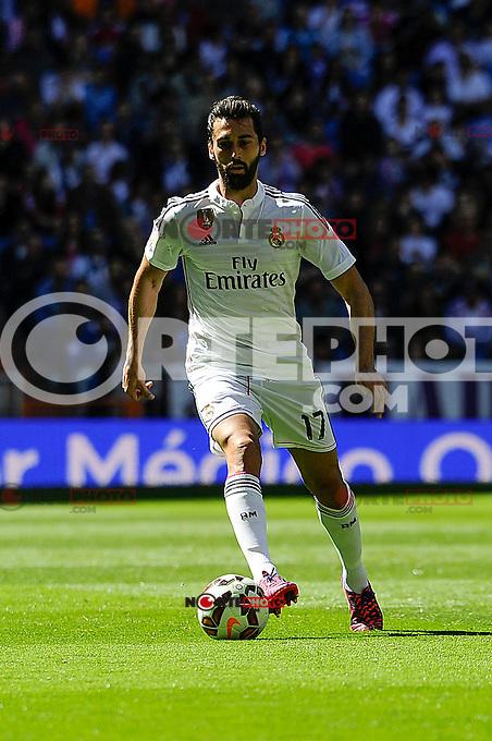Real Madrid´s Alvaro Arbeloa during 2014-15 La Liga match between Real Madrid and Granada at Santiago Bernabeu stadium in Madrid, Spain. April 05, 2015. (ALTERPHOTOS/Luis Fernandez) /NORTEphoto.com