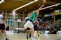 EMMEN - Handbal, E&O - Houten, Oosting Arena, Eredivisie Heren,  11-11-2017,  hoekschot van Rick Worlage