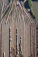 Hafenbahnhof Hamburg Sued: EUROPA, DEUTSCHLAND, HAMBURG, (EUROPE, GERMANY), 03.10.2015: Hafenbahnhof Hamburg Sued
