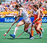Den Bosch  -Ginella Zerbo (Ned) met Judith Vandermeiren (Belgie)   tijdens  de Pro League hockeywedstrijd dames, Nederland-Belgie (2-0).    COPYRIGHT KOEN SUYK