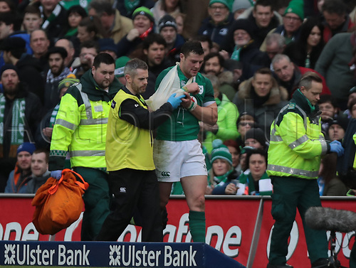 10th February 2018, Aviva Stadium, Dublin, Ireland; NatWest Six Nations Rugby, Ireland versus Italy; Robbie Henshaw (Ireland) goes off with an injury