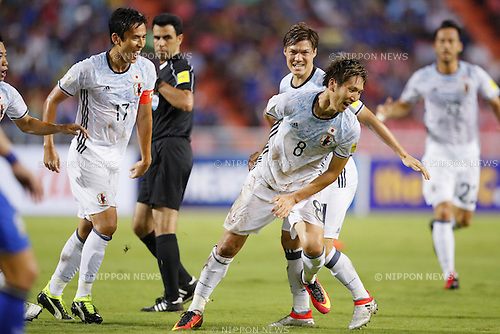 (L-R) Makoto Hasebe, Genki Haraguchi (JPN), SEPTEMBER 6, 2016 - Football / Soccer : Genki Haraguchi of Japan with his team mates celebrates after scoring their 1st goal during the FIFA World Cup Russia 2018 Asian Qualifier Final Round Group B match between Thailand 0-2 Japan at Rajamangala National Stadium, Bangkok, Thailand. (Photo by Yusuke Nakanishi/AFLO SPORT)