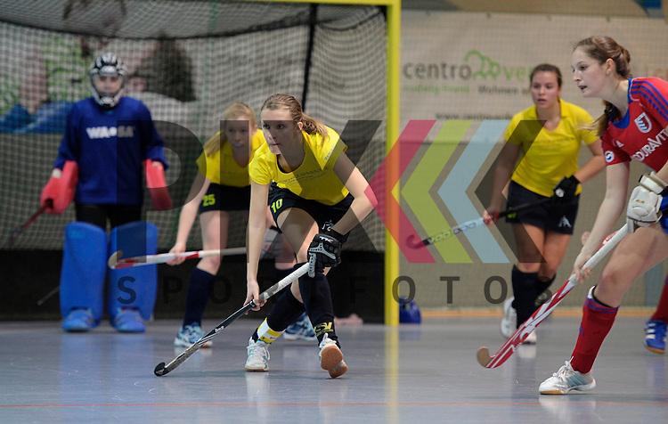 GER - Mannheim, Germany, January 17: During the Oberliga-Damen indoor hockey match between Feudenheimer HC (red) and  TSV Ludwigsburg (yellow) on January 17, 2016 at Irma-Roechling-Halle in Mannheim, Germany. Final score 8-2 (HT 3-1).  Sarah Kehm  #10 of TSV Ludwigsburg<br /> <br /> Foto &copy; PIX-Sportfotos *** Foto ist honorarpflichtig! *** Auf Anfrage in hoeherer Qualitaet/Aufloesung. Belegexemplar erbeten. Veroeffentlichung ausschliesslich fuer journalistisch-publizistische Zwecke. For editorial use only.