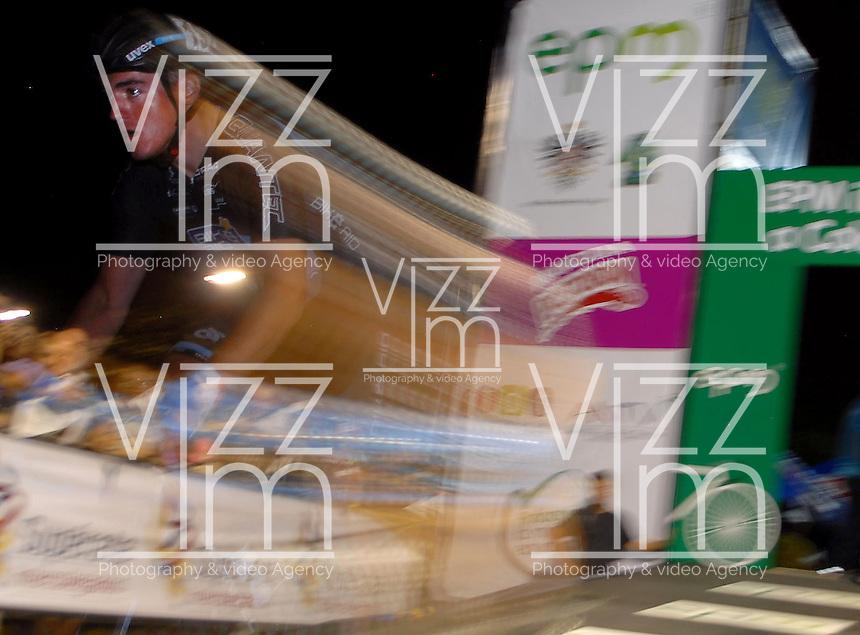 COLOMBIA. 16-08-2014. Luyis Mendoza ciclista durante la contrarreloj individual nocturna de 17.5 Km en la penúltima etapa de la Vuelta a Colombia 2014 en bicicleta que se cumple entre el 6 y el 17 de agosto de 2014. / Luyis Mendoza cyclist during the night individual time trial of 17.5 Km in the penultimate stage of the Tour of Colombia 2014 in bike holds between 6 and 17 of August 2014. Photo:  VizzorImage/ José Miguel Palencia / Str