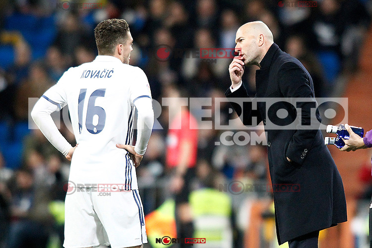 Real Madrid's coach Zinedine Zidane (r) and Mateo Kovacic during La Liga match. March 1,2017. (ALTERPHOTOS/Acero) /NortePhoto.com