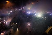 BELO HORIZONTE, MG, 27.05.2015: CRUZEIRO-RIVER PLATE - Ônibus do Cruzeiro chegando no estádio Mineirão, em Belo Horizonte neste quarta, 27. (Foto: Vinnícius Silva/Brazil Photo Press)