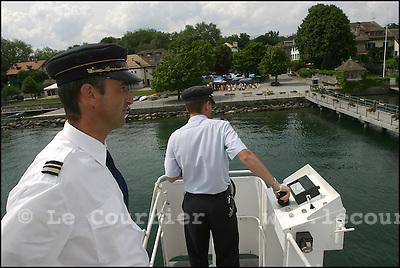 Genève, juillet 2005.Croisière en bâteau de La CGN sur le lac léman. Vue du jet d'eau..© J.-P. Di Silvestro / Le Courrier