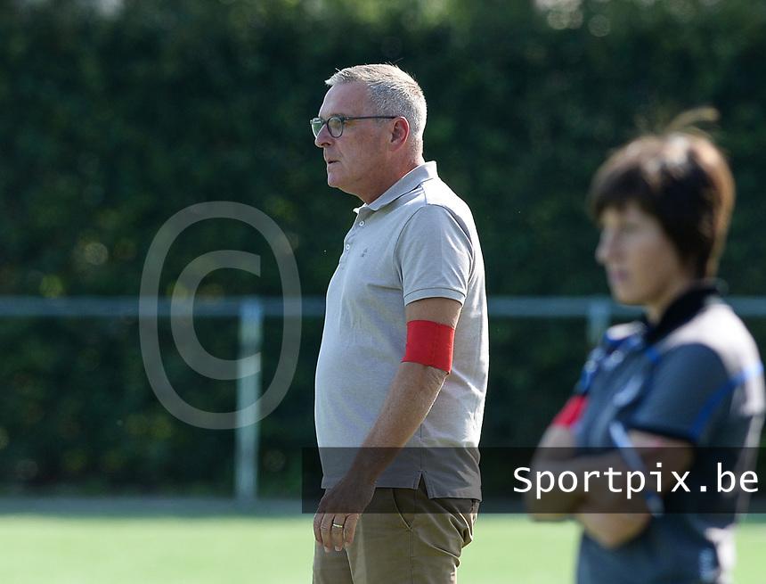 Famkes Westhoek Merkem Diksmuide - Club Brugge Dames A :  assistent Club Brugge coach Leo Van Der Elst <br /> Foto David Catry | VDB | Bart Vandenbroucke