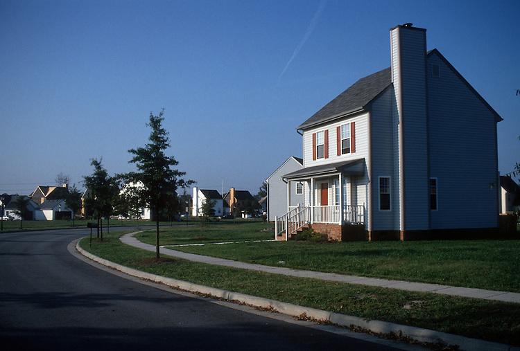 1993 October ..Redevelopment.MiddleTowne Arch..Single house..NEG#.NRHA#..REDEV:Lb Pk1 11:14