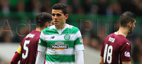 02.04.2016. Celtic Park, Glasgow, Scotland. Scottish Football Premiership Celtic versus Hearts. Tom Rogic with the injury to his forehead