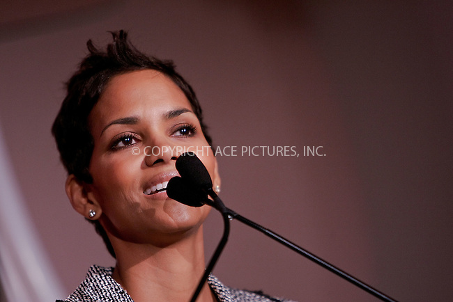 WWW.ACEPIXS.COM . . . . . ....December 4 2009, Hollywood....Actress Halle Berry at the Hollywood Reporter's Annual Women in Entertainment Breakfast at the Beverly Hills Hotel on December 4, 2009 in Beverly Hills, California.....Please byline: JOE WEST- ACEPIXS.COM.. . . . . . ..Ace Pictures, Inc:  ..(646) 769 0430..e-mail: info@acepixs.com..web: http://www.acepixs.com