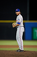 St. Lucie Mets relief pitcher Cameron Griffin (39) gets ready to deliver a pitch during a game against the Dunedin Blue Jays on April 19, 2017 at Florida Auto Exchange Stadium in Dunedin, Florida.  Dunedin defeated St. Lucie 9-1.  (Mike Janes/Four Seam Images)